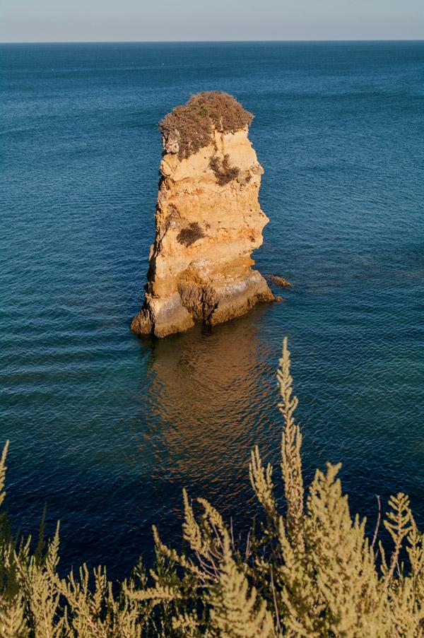 Foto Adventskalender,Praia da Dona Ana Algarve, Felsnadel. Atlantik, Algarve, Portugal